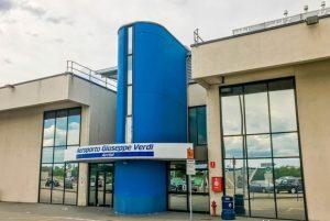Esterno terminal aeroporto Giuseppe Verdi Parma
